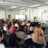 International Psychologist Visits Positive Psychology Course