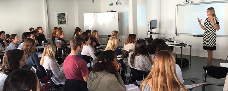 International Psychologist Visits Positive Psychology Course