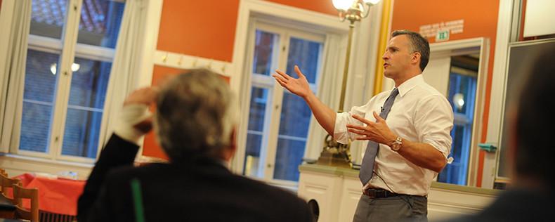 U.S. Ambassador to Denmark Visits DIS